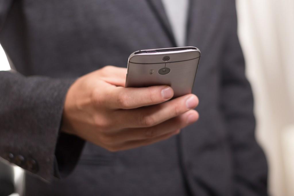 smartphone apps drain battery