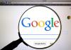 logo de google en lupa
