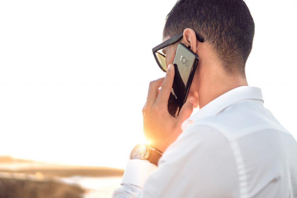 llama-a-traves-de-tu-smartphone-deten-la-dependencia-hacia-tu-smartphone