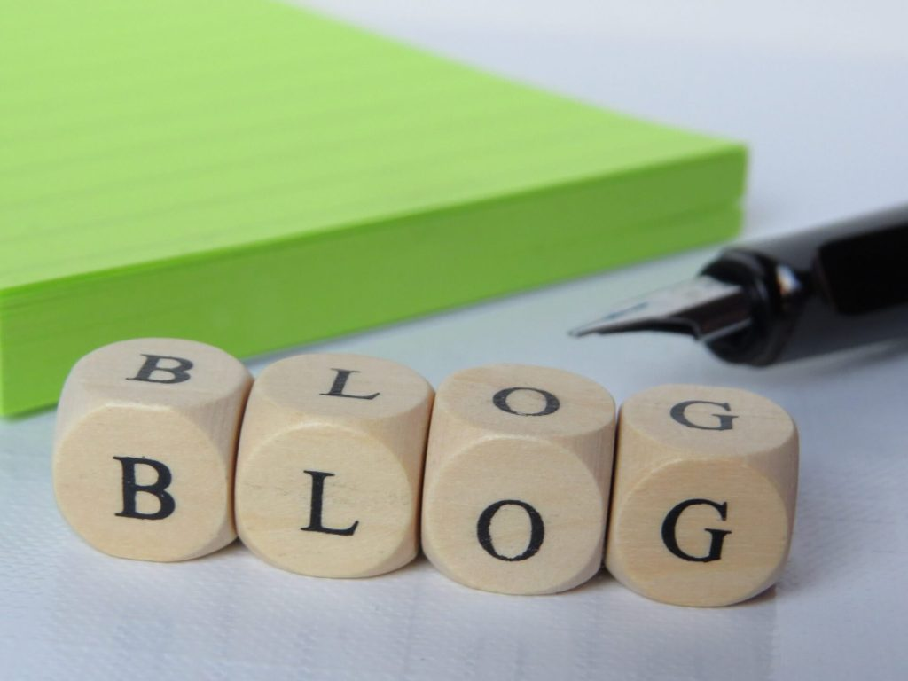 cubos-de-texto-con-palabra-blog