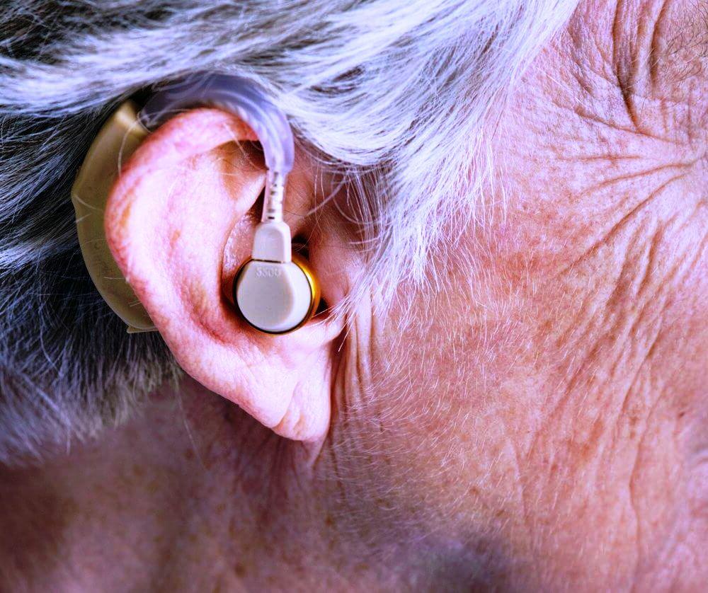 audifonos-para-personas-con-discapacidad