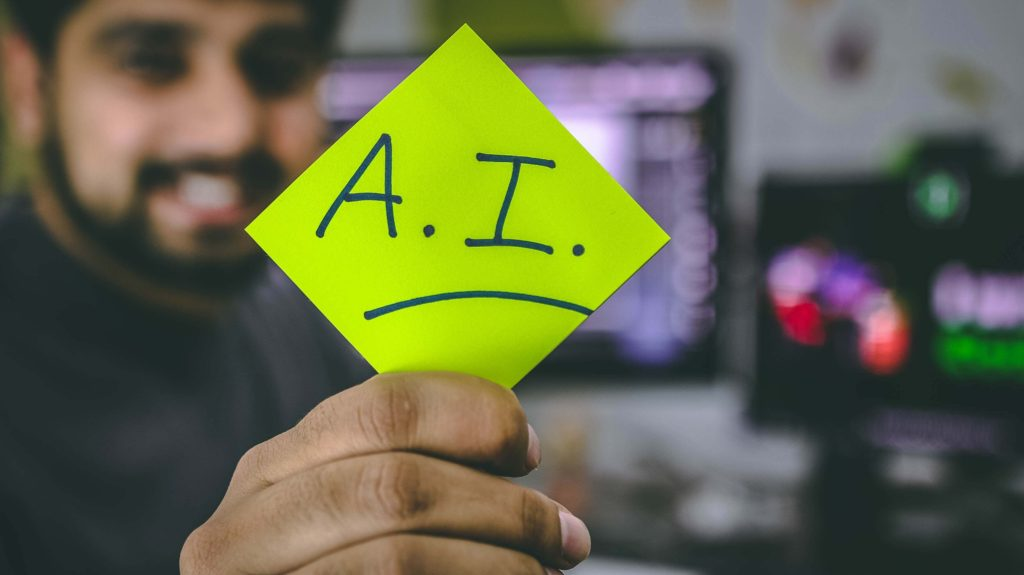 hombre-con-papel-inteligencia-artificial