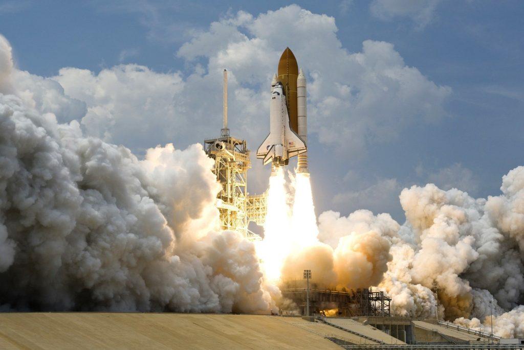 prepulsores para la misión Artemis 1
