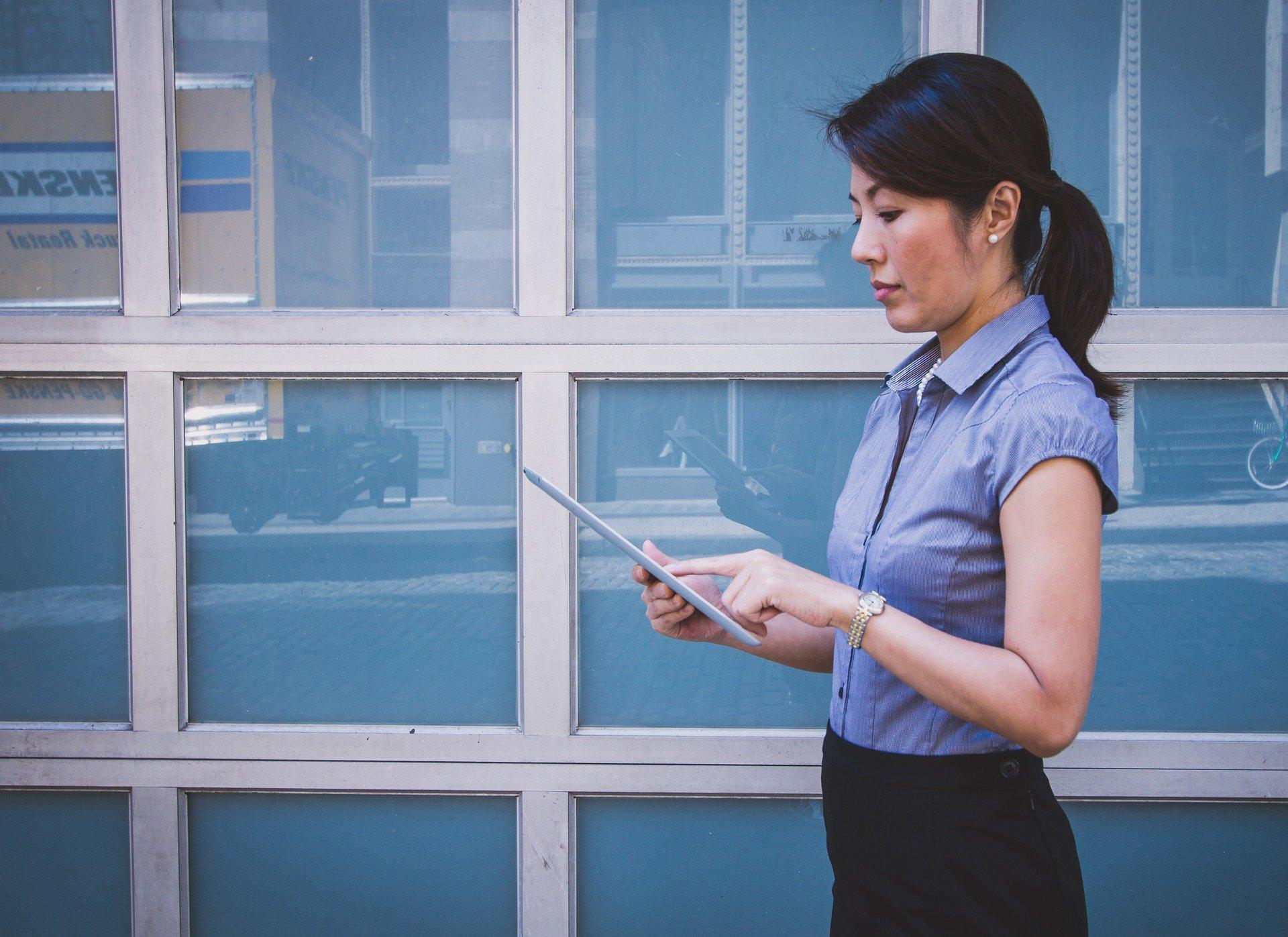 tablet cultura digital trabajo remoto